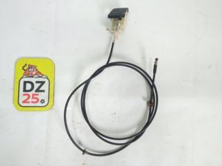 Тросик замка капота передний правый TOYOTA GAIA 1999