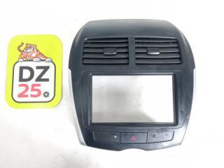 Консоль магнитофона передний MITSUBISHI RVR 2010