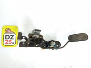 Педаль подачи топлива передняя правая TOYOTA CALDINA 2000