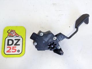 Педаль подачи топлива передняя TOYOTA AQUA 2012