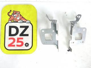 Запчасть крепление магнитофона переднее HONDA STEP WAGON 2010