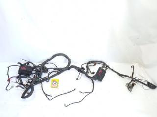Коса под капот передняя NISSAN AD 2004