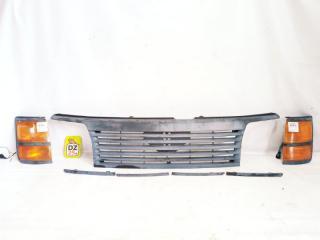 Решетка радиатора передняя NISSAN ELGRAND 1997