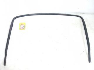 Молдинг лобового стекла передний HONDA HRV 2004