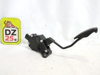 Педаль подачи топлива передняя правая TOYOTA HARRIER 2014