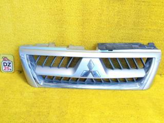 Решетка радиатора передняя MITSUBISHI PAJERO 2004