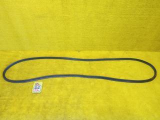 Запчасть уплотнительная резинка багажника задняя HONDA VEZEL 2014