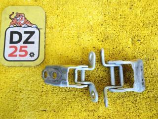 Запчасть петля дверная передняя левая HONDA VEZEL 2014