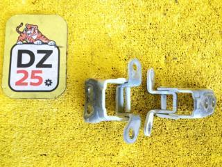 Запчасть петля дверная передняя правая HONDA VEZEL 2014