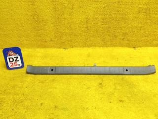 Пластик замка багажника задний SUZUKI JIMNY 1998