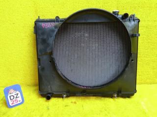 Радиатор основной передний NISSAN ELGRAND 1998