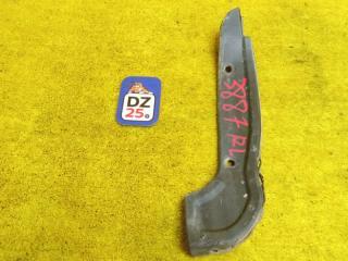 Подкрылок задний левый TOYOTA IPSUM 1997