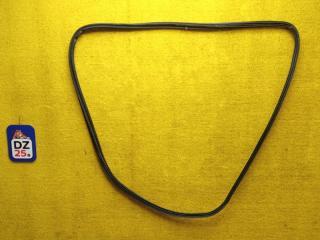 Уплотнительная резинка багажника задняя HONDA HRV 2004