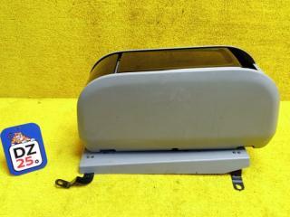 Бардачок между сиденьями передний TOYOTA ESTIMA 2009
