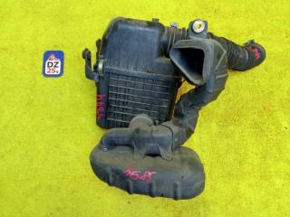 Корпус воздушного фильтра передний TOYOTA TOWN ACE NOAH 2000