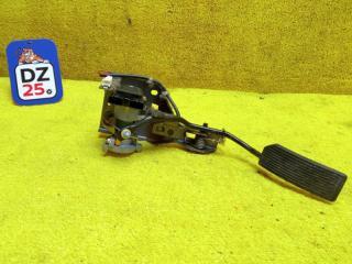 Педаль подачи топлива передняя правая NISSAN TERRANO REGULUS 2000
