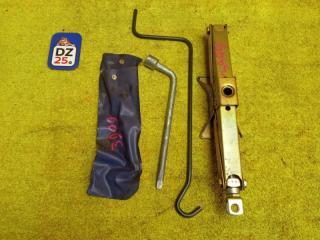 Домкрат SUZUKI JIMNY 1999