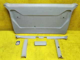 Обшивка двери багажника задняя MITSUBISHI DELICA 1998