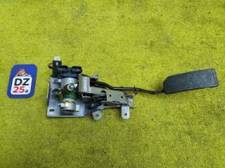 Запчасть педаль подачи топлива передняя NISSAN TERRANO REGULUS 1998