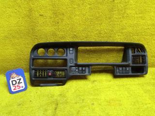 Запчасть консоль спидометра передний MAZDA PROCEED MARVIE 1996