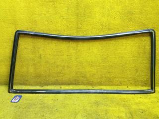 Молдинг лобового стекла передний TOYOTA LAND CRUISER PRADO 1993