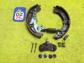 Механизм стояночного тормоза задний левый TOYOTA RAV4 1994