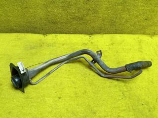 Горловина топливного бака задняя TOYOTA RAV4 1994