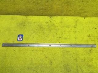 Пластик замка багажника задний TOYOTA LAND CRUISER 05.1991