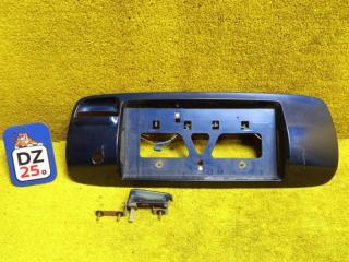 Накладка на дверь багажника задняя TOYOTA SPRINTER CARIB 1997