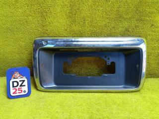 Накладка на дверь багажника задняя TOYOTA HILUX SURF 1999