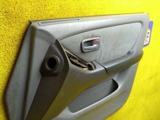 Обшивка дверей передняя правая TOYOTA HARRIER ACU10 5SFE