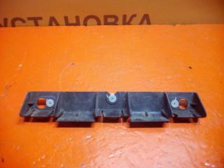 Кронштейн заднего бампера правый Renault Symbol 1 1999-2007