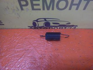 Запчасть пружина петель багажника Renault Logan 1 2010-2014