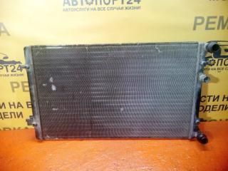 Запчасть радиатор охлаждения двигателя Audi A3 2009-2018