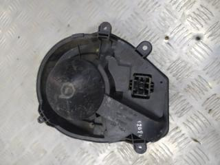 Запчасть моторчик отопителя печки Volkswagen Passat 2005-2012