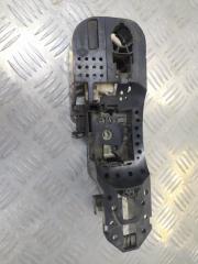 Запчасть кронштейн ручки двери правый Renault Megane 3 2008-2014