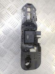 Запчасть кронштейн ручки двери правый Renault Fluence 1 2008-2014