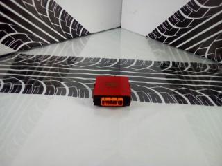 Блок управления дверьми Toyota Carina