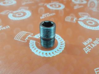 Крепление масляного фильтра Nissan Cefiro