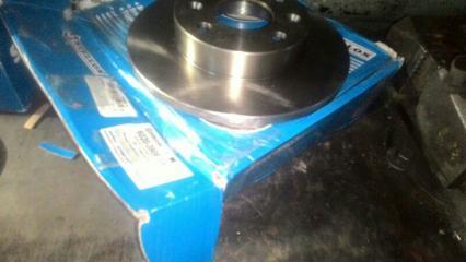 Тормозной диск передний RENAULT LOGAN