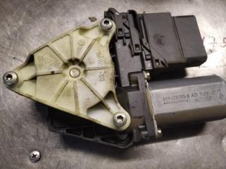 Мотор стеклоподъемника задний правый VOLKSWAGEN PASSAT