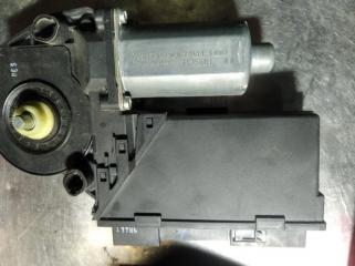 Моторчик стеклоподъемника передний левый AUDI