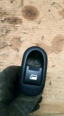 Запчасть кнопка стеклоподъемника правая Citroen C2 2006