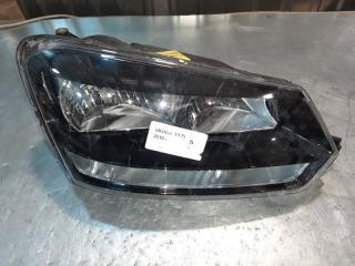 Запчасть фара передняя правая Skoda Yeti 2010
