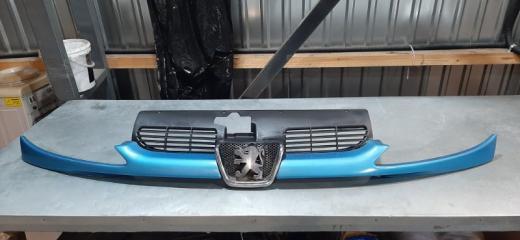 Решетка радиатора PEUGEOT 206 2003