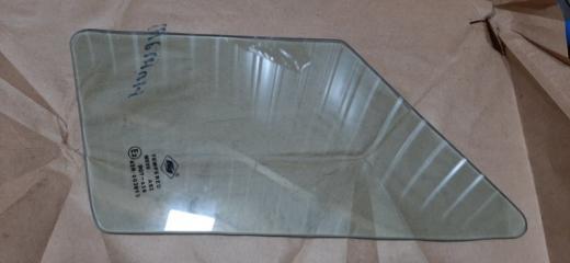Запчасть стекло (форточка) переднее левое Suzuki splash 2008-2014