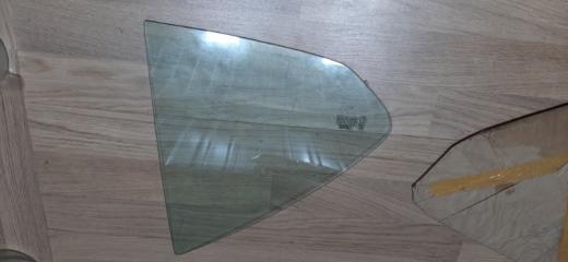 Запчасть стекло (форточка) заднее правое Nissan Sunny 2002