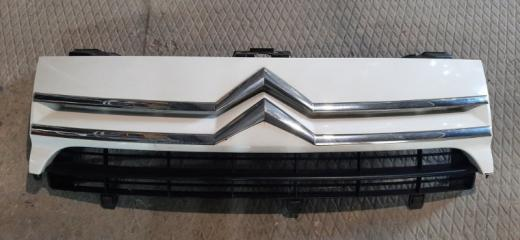 Решетка радиатора Citroen Jumpy 2010