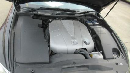 Запчасть пластиковая крышка на двс левая LEXUS GS300