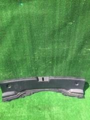 Пластик замка багажника Toyota Aqua 2012